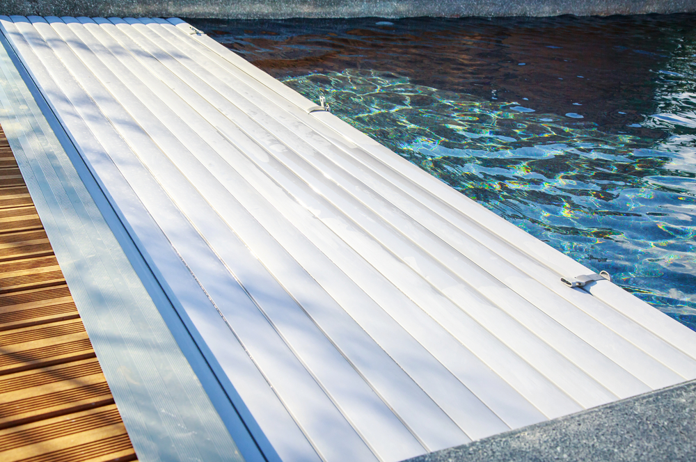 When You Should Replace Swimming Pool Covers