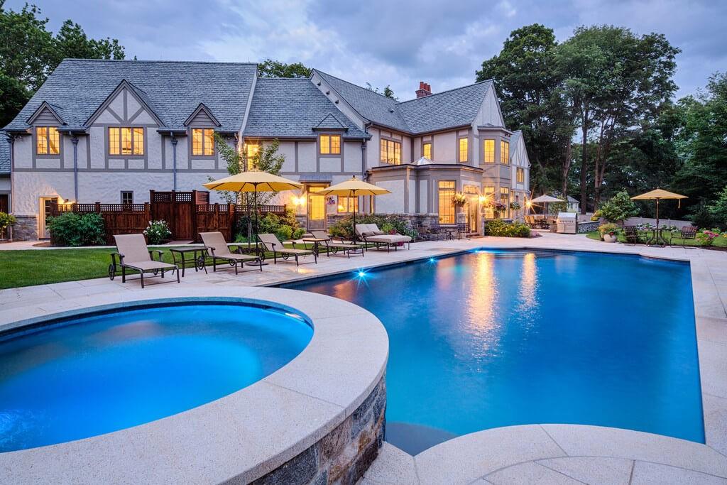 Dramatic Custom Features Home Pool Design Shoreline Pools