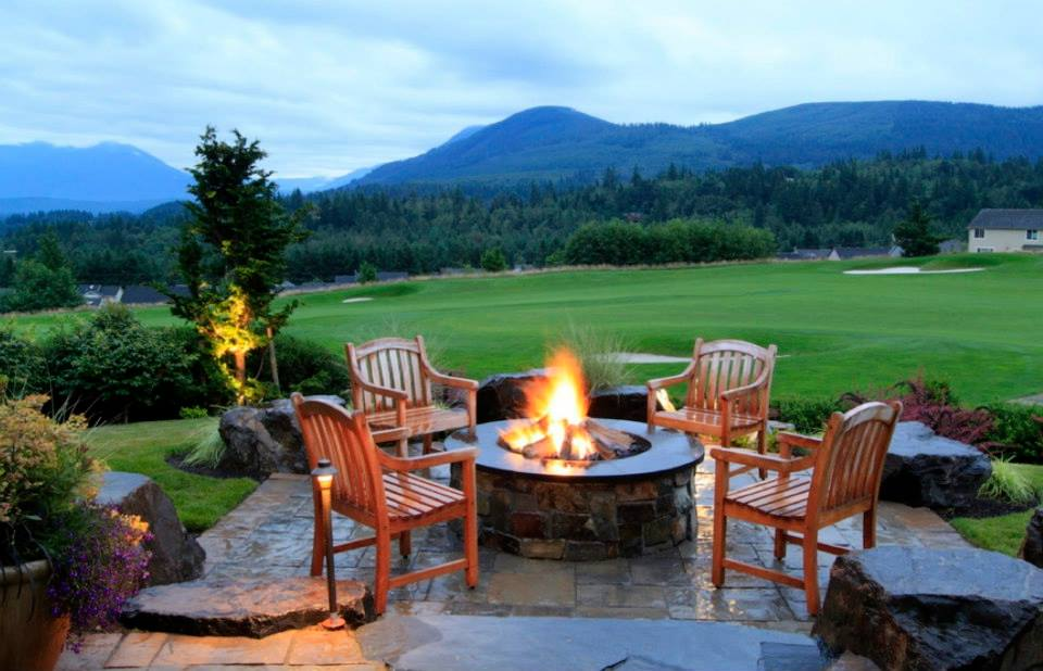 Tips for Planning Outdoor Firepits and Fireplaces