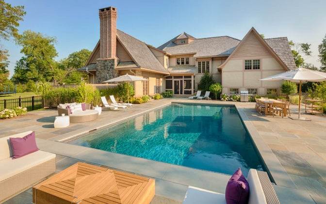 Expansive Entertaining Space